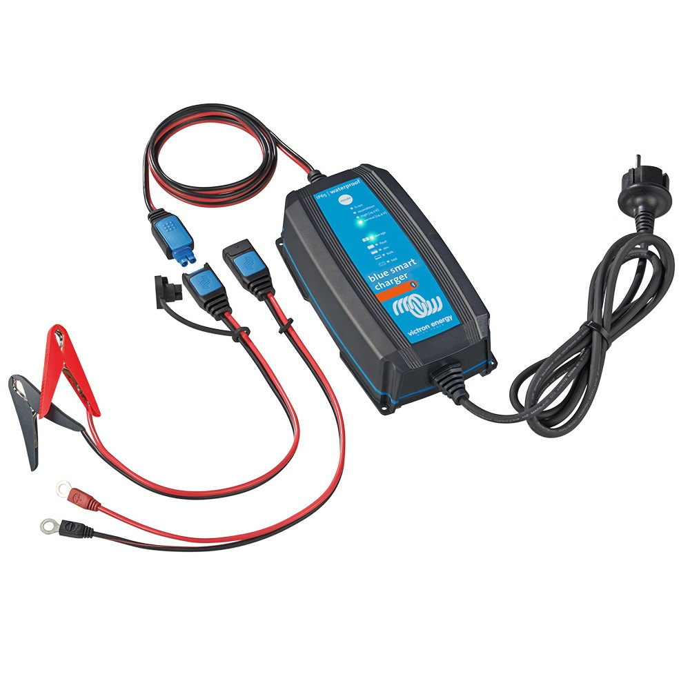 Blue Smart IP65 Charger 24/13(1) 230V CEE 7/16